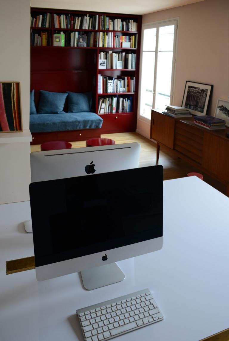 Bibliothèque et table pour Rose Agency Paris